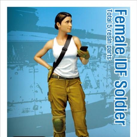 Modern IDF Female soldier 1/35