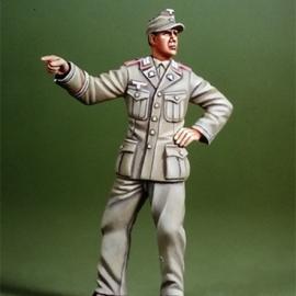 WWII DAK NCO Pointing