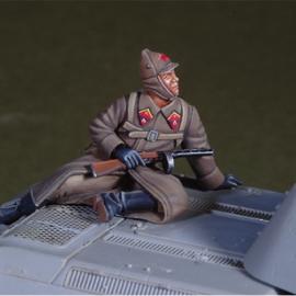 WWII Russian winter tank rider 4