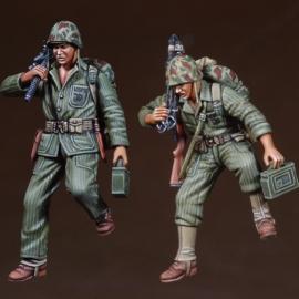 WWII USMC Machinegun Team on the slope